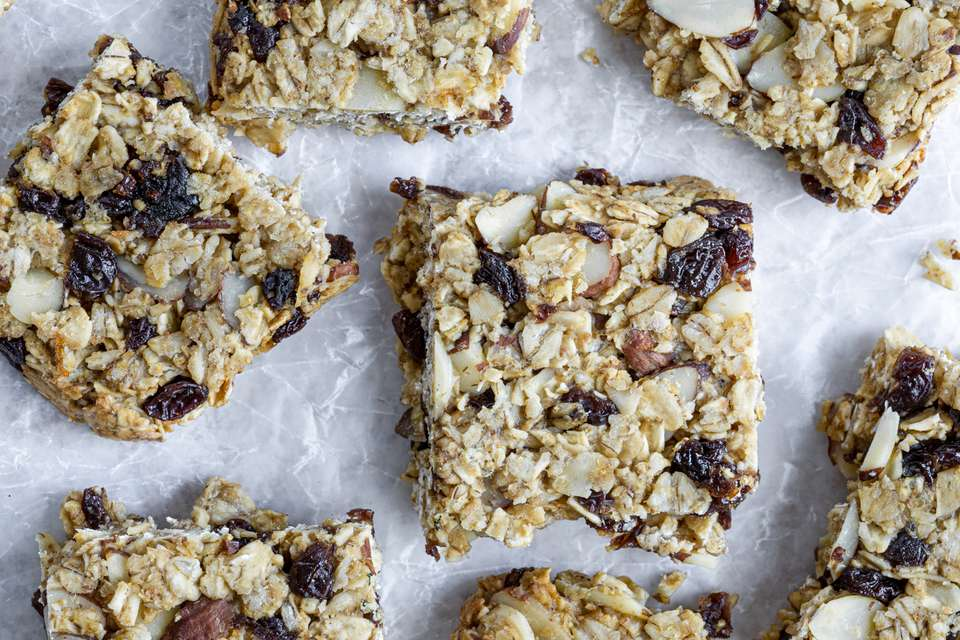 Wholesome Low-Calorie Oat Granola Bars