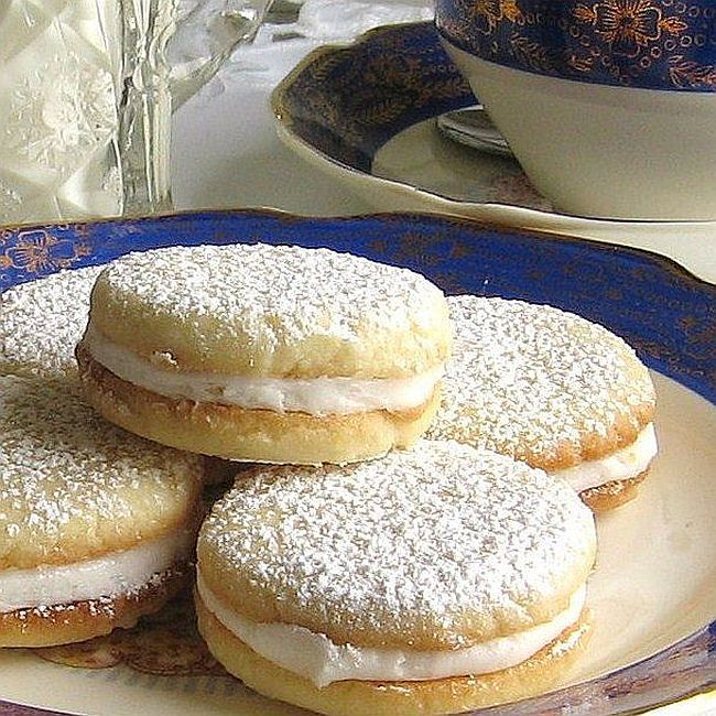 Lemon tea sandwich cookies
