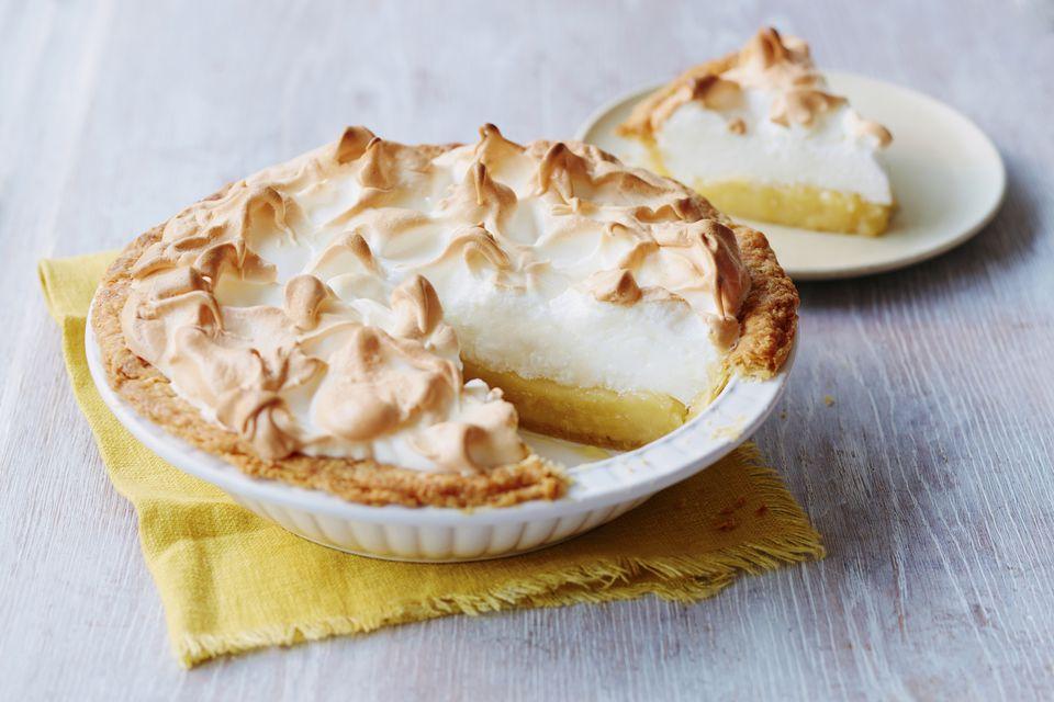 Tarta de merengue de limón con corteza de galleta Graham
