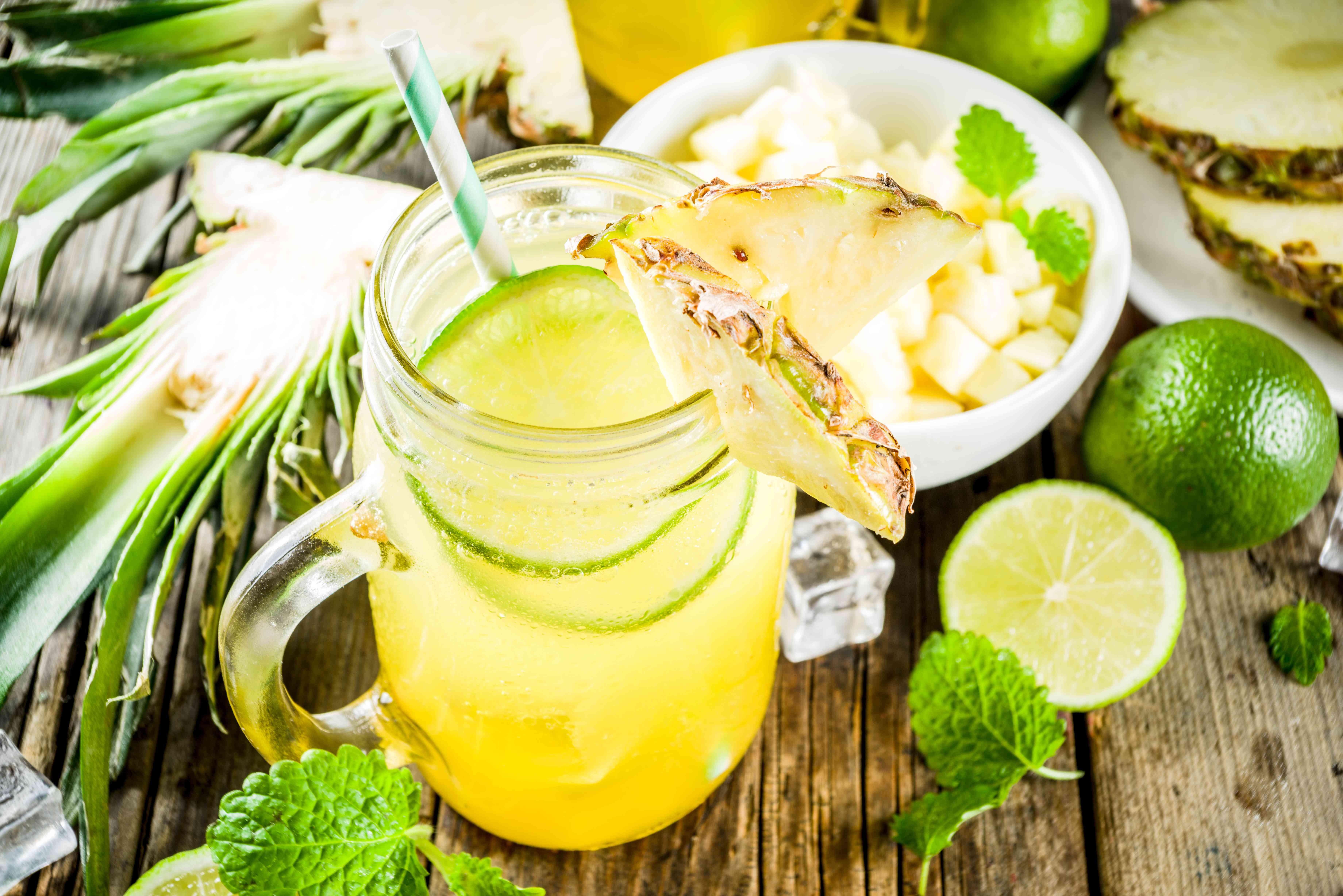 Cold pineapple mojito cocktail