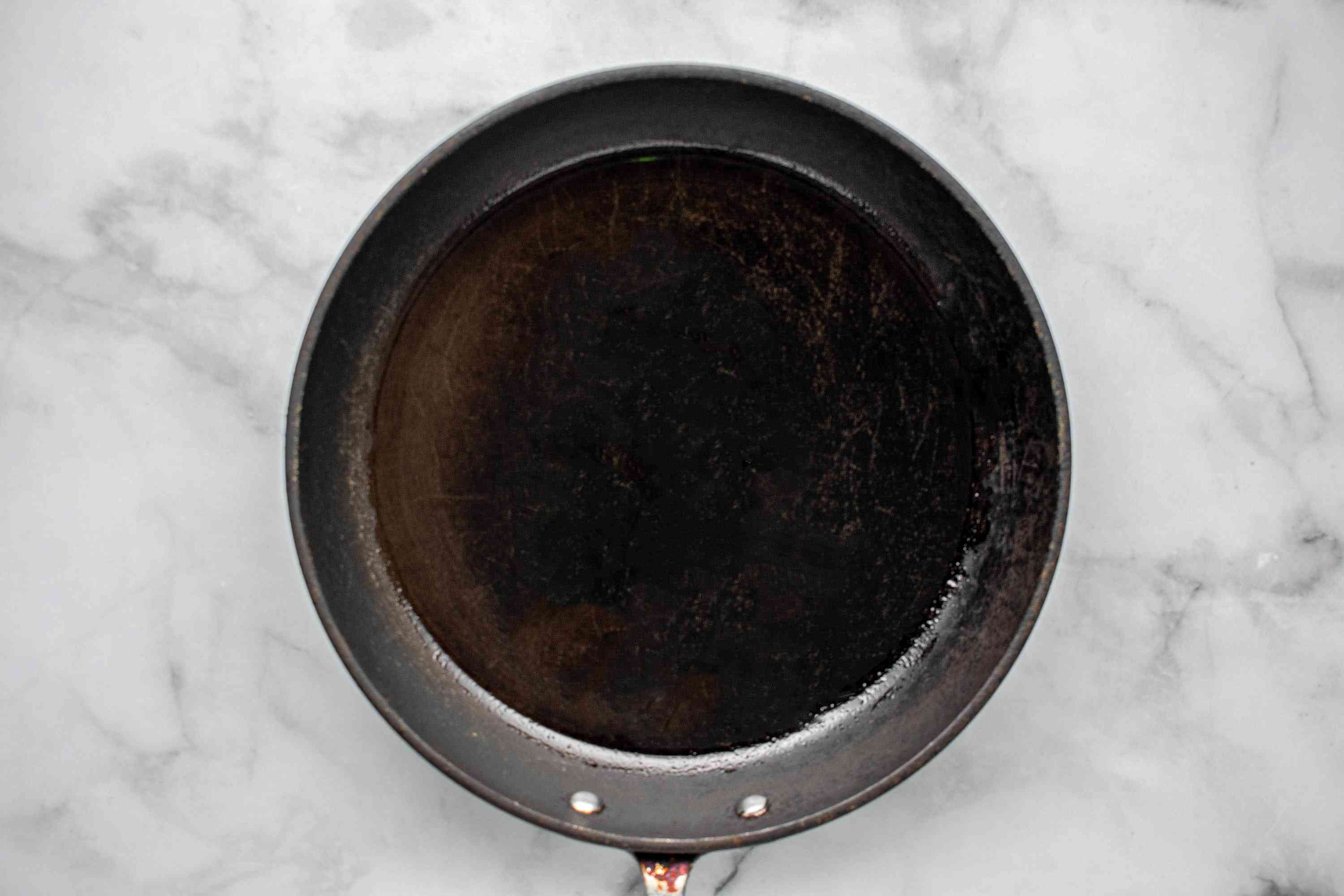 frying pan with oil