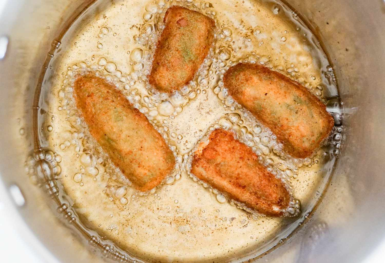 Deep frying jalapeño poppers