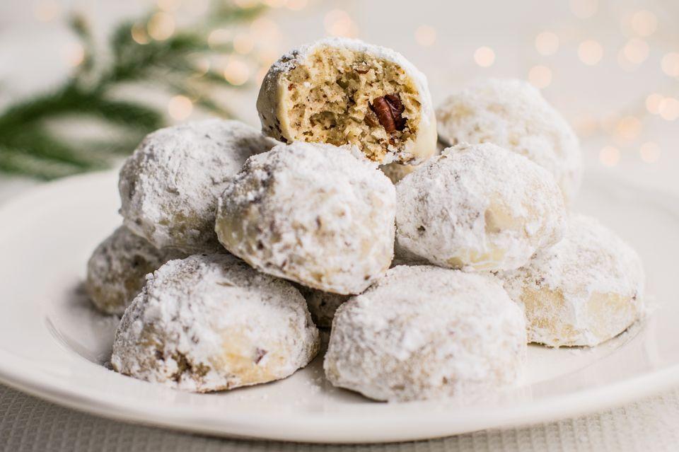 Simple pecan butterball cookies