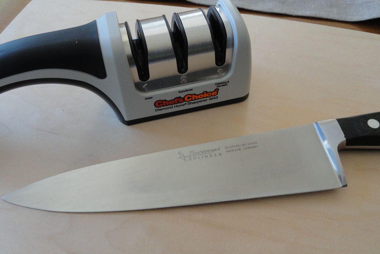Knife and sharpener