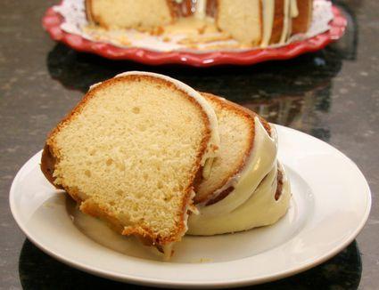 Eggnog cake with rum