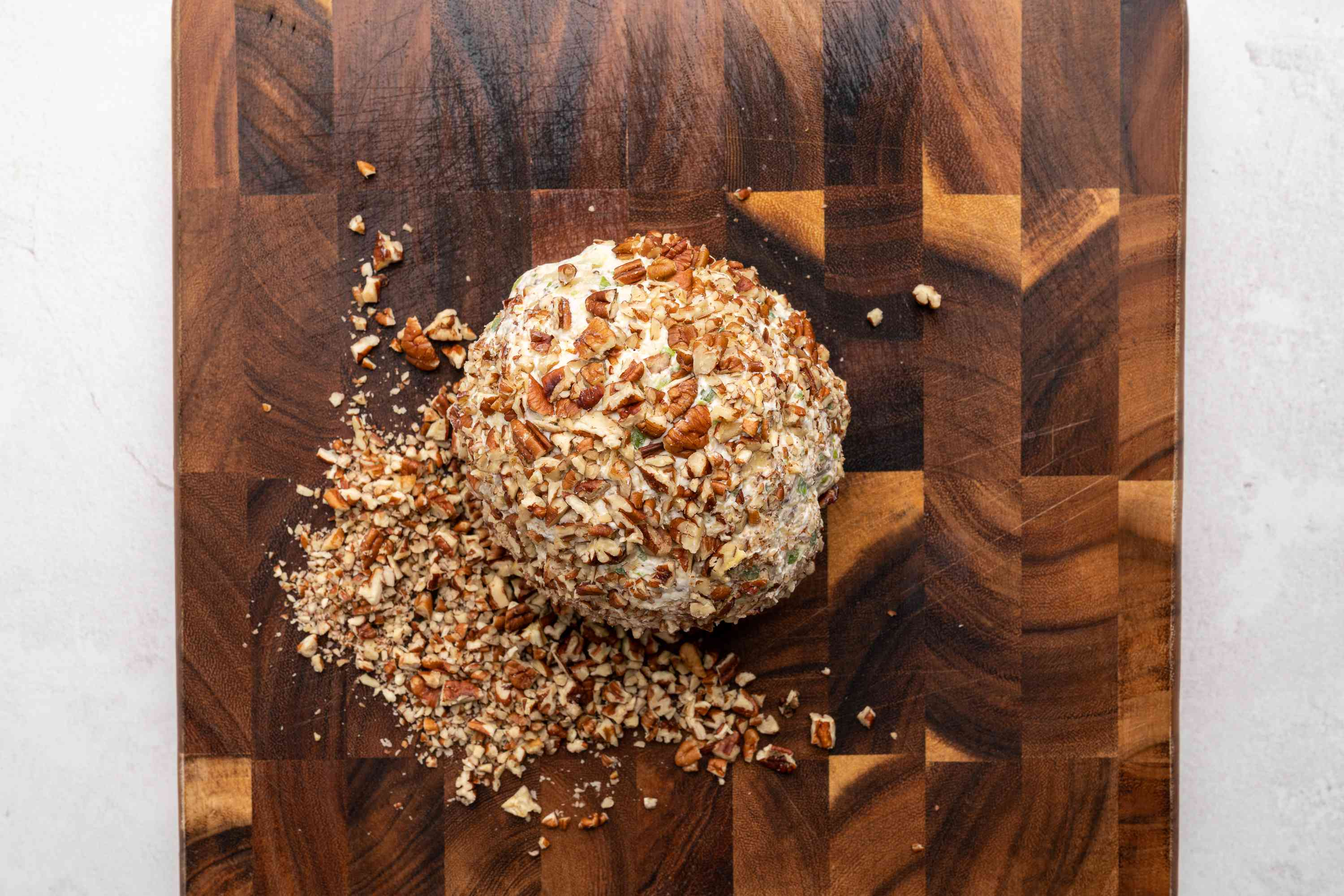 pecan crusted cheese ball