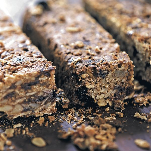Pre-made cereal breakfast bars