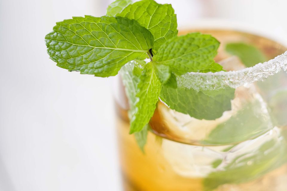 White Peach Julep Cocktail Recipe