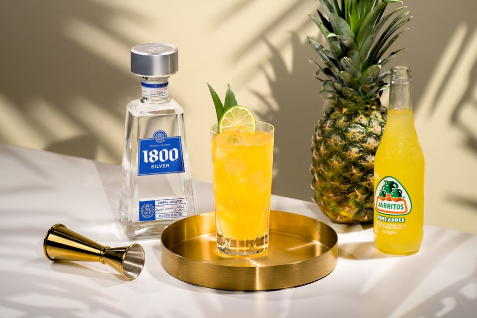 1800 Silver Tequila With Pineapple Jarritos Cocktail