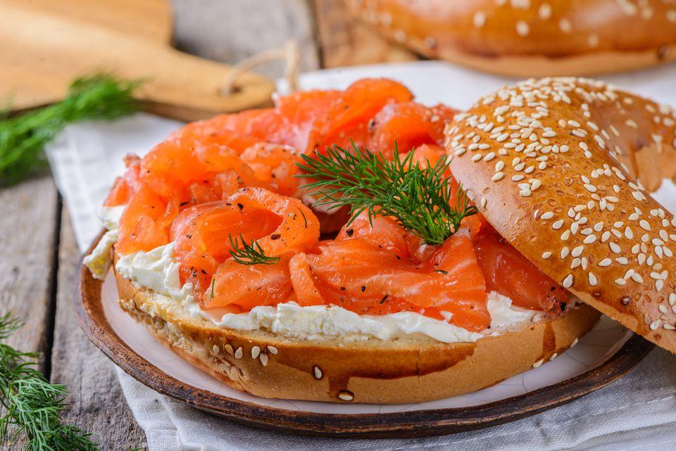 Gravlax de salmón simple y casero