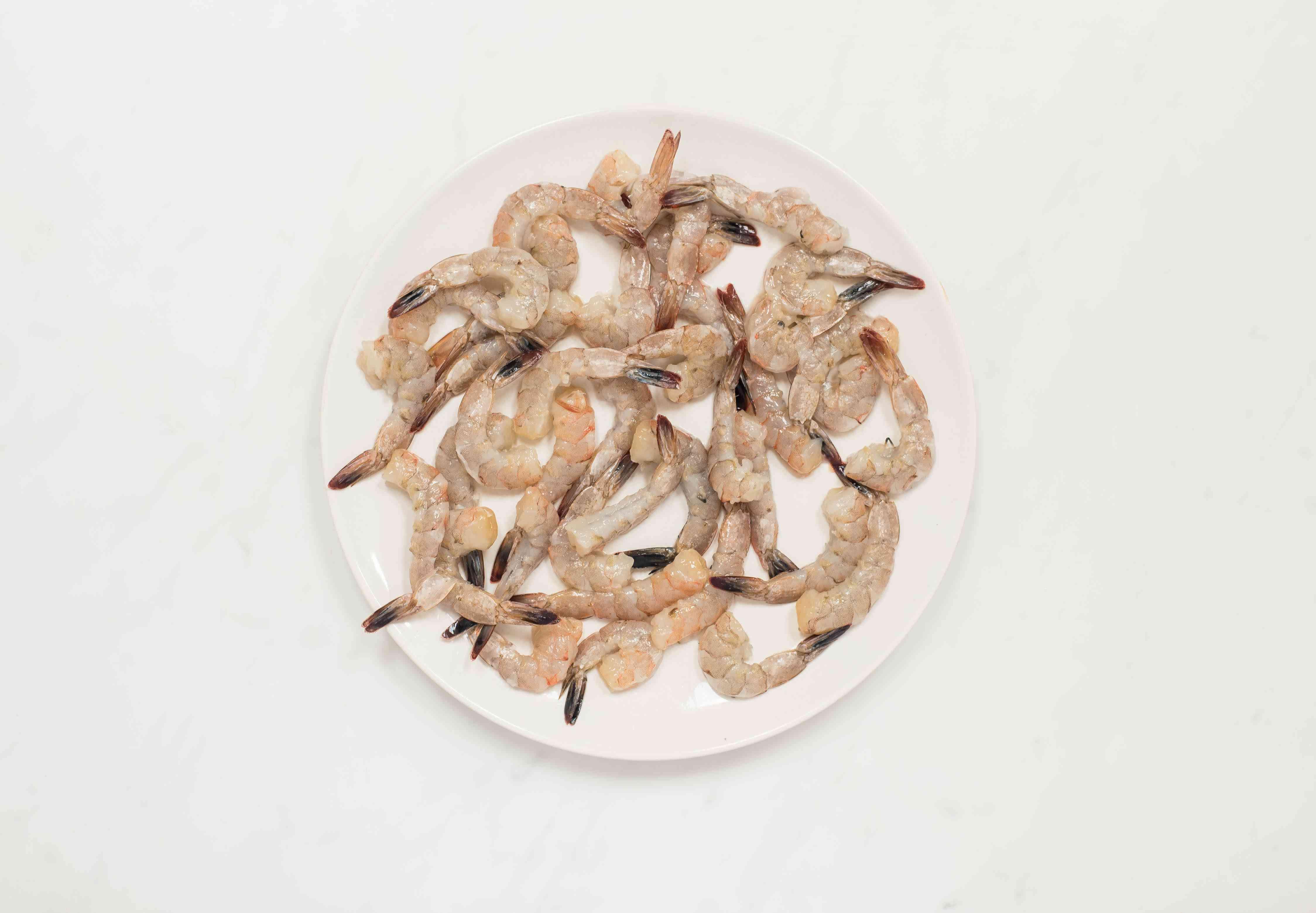 Peel and devein shrimp