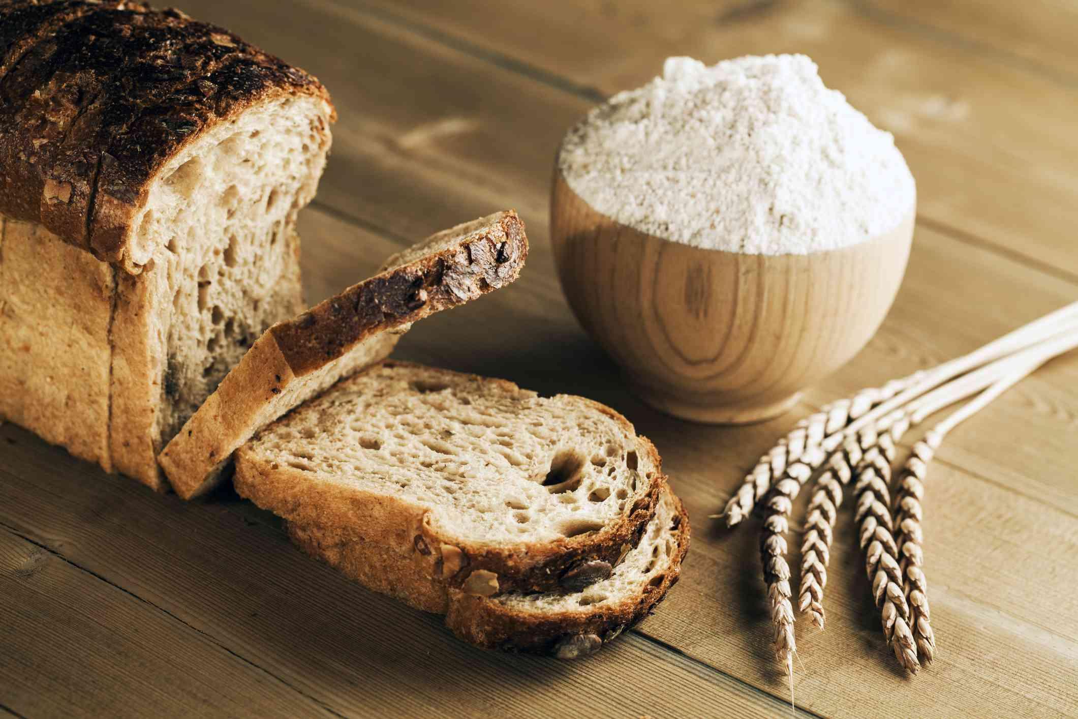 Spelt flour and bread