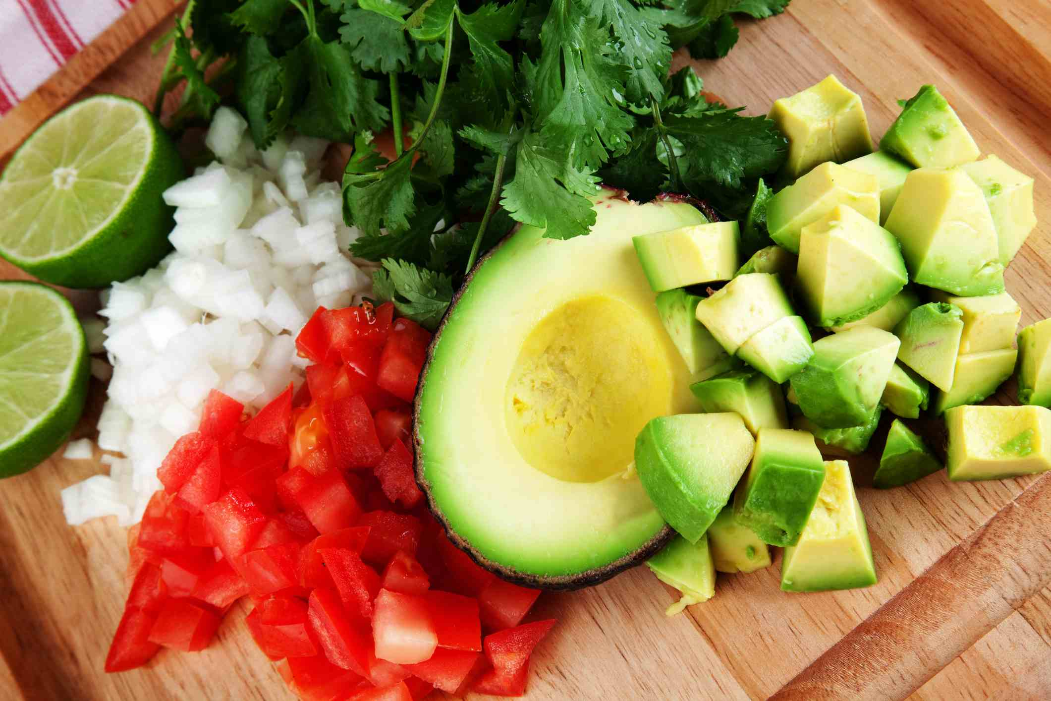 Tomato and avacado salsa ingredients