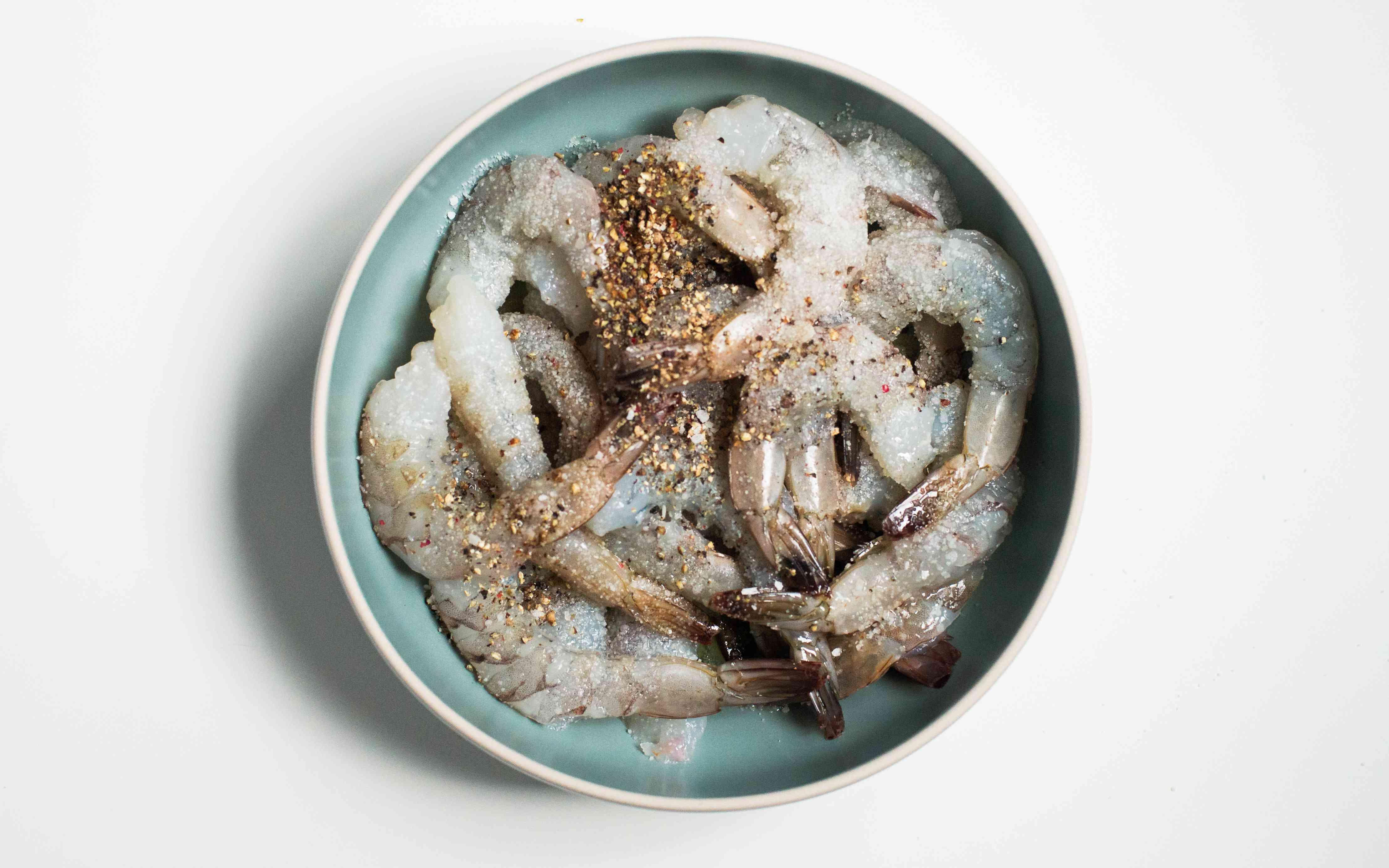 Combine shrimp with seasonings