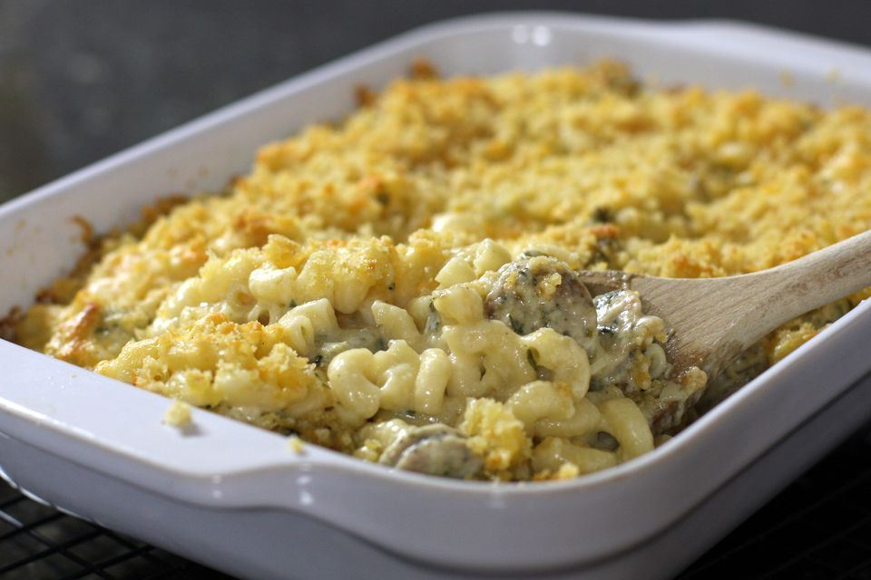 Potluck macaroni and cheese with chicken