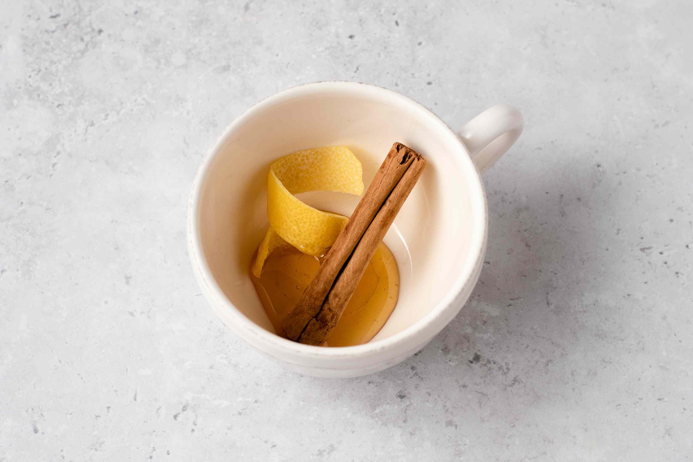 Lemon, Cinnamon, and Honey Flavor a CBD Tea Recipe