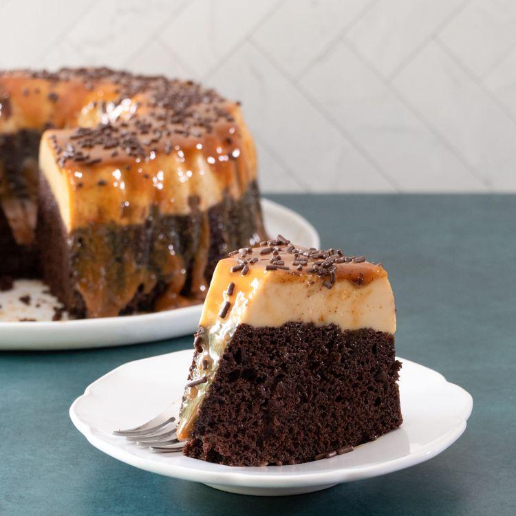 chocolate flan cake (chocoflan)