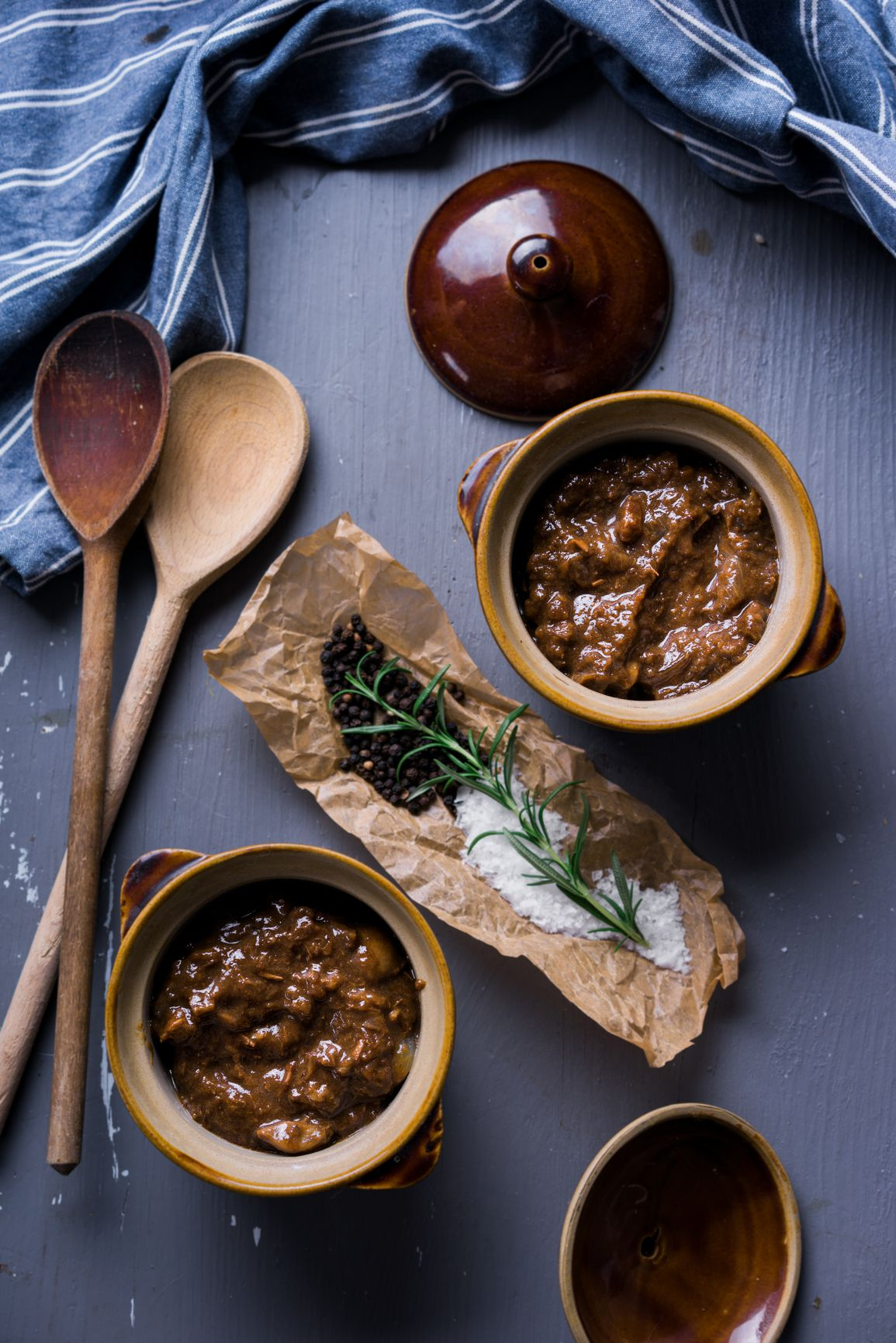 How to Make Stifatho, or Greek Beef and Onion Stew