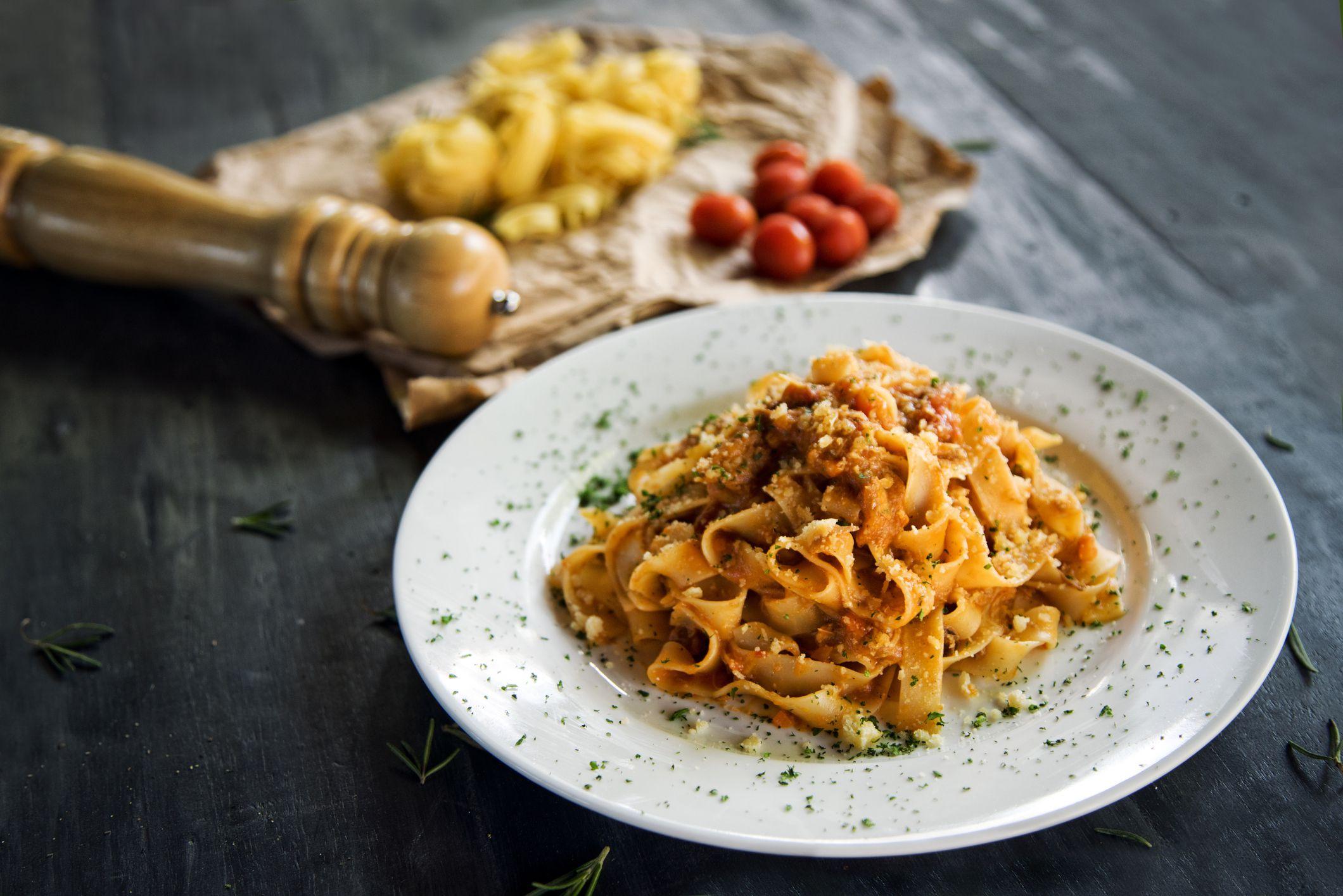 How to Make a Classic Bolognese Sauce (Sugo alla Bolognese)