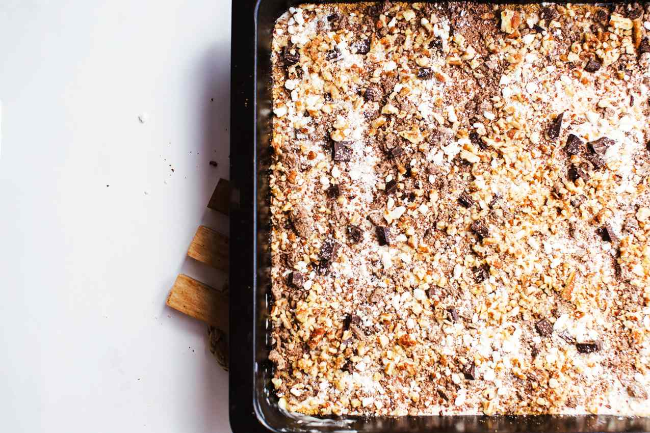 Top with chocolate chips
