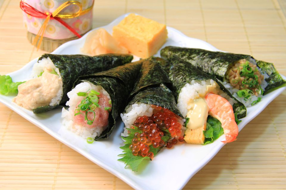 Temaki (Hand Roll) Sushi