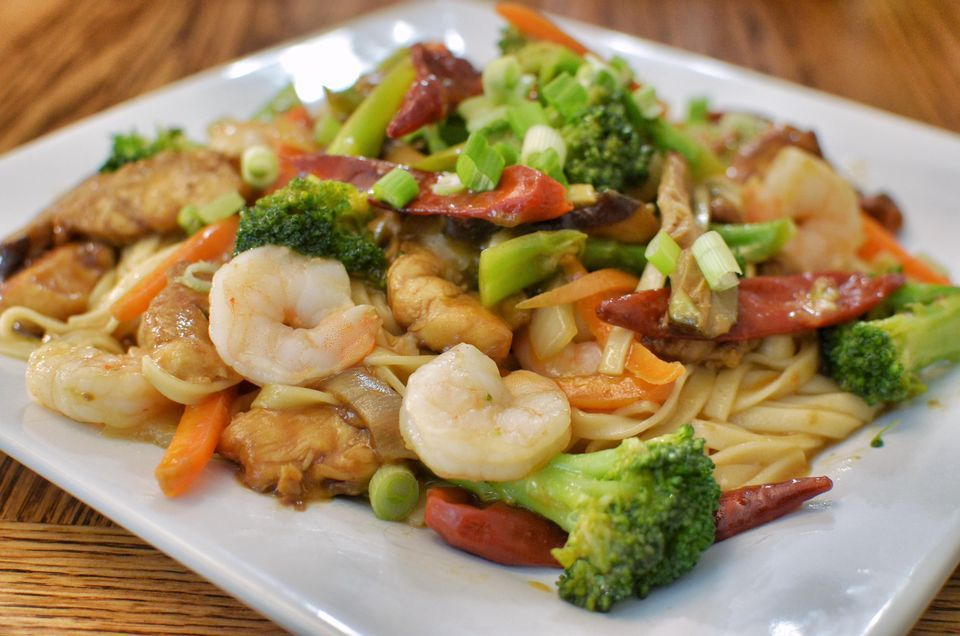 Shrimp Lo Mein With Vegetables