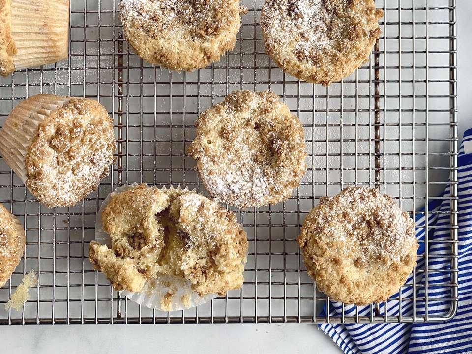 Muffins de pastel de café con crema agria