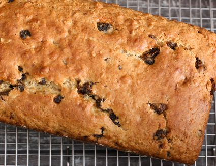 date oat bread loaf