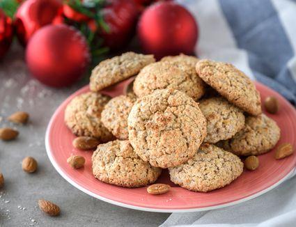 Easy Spanish almond cookies recipe