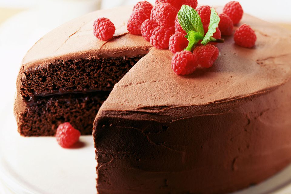 Chocolate cake with raspberries