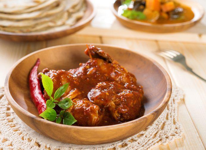 Indonesia Curry de Rendang con pollo