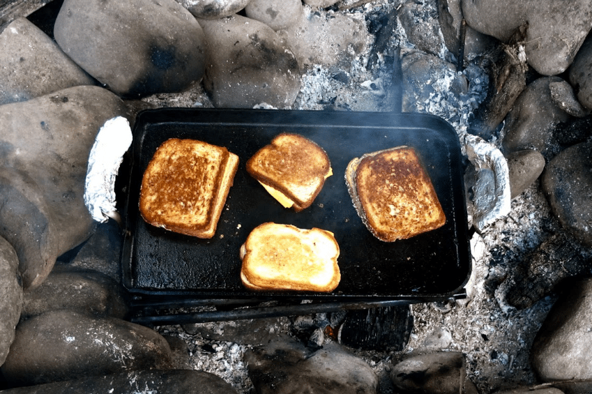 how to make grilled cheese using bacon grease