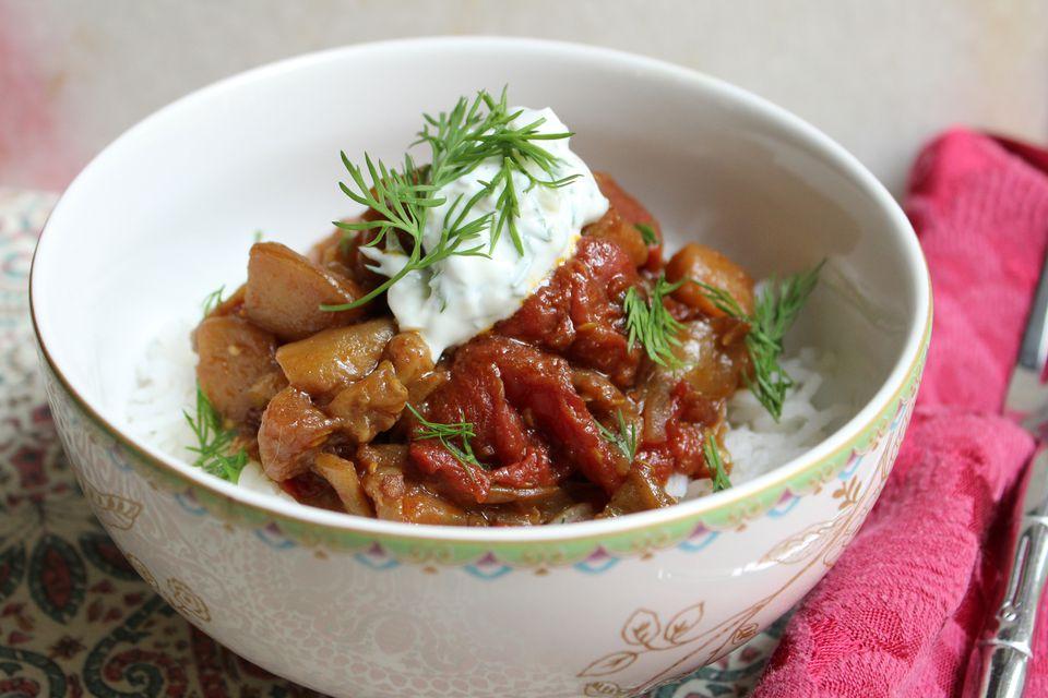 Guiso de tomate y berenjena persa vegana (Khoresh Bademjan)