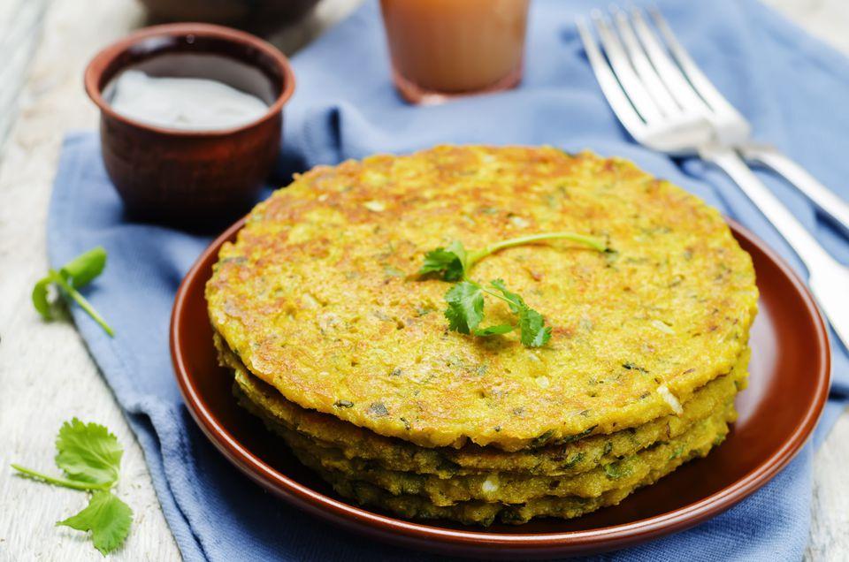 Moong Daal Ka Cheela - Panqueques salados de frijoles Moong