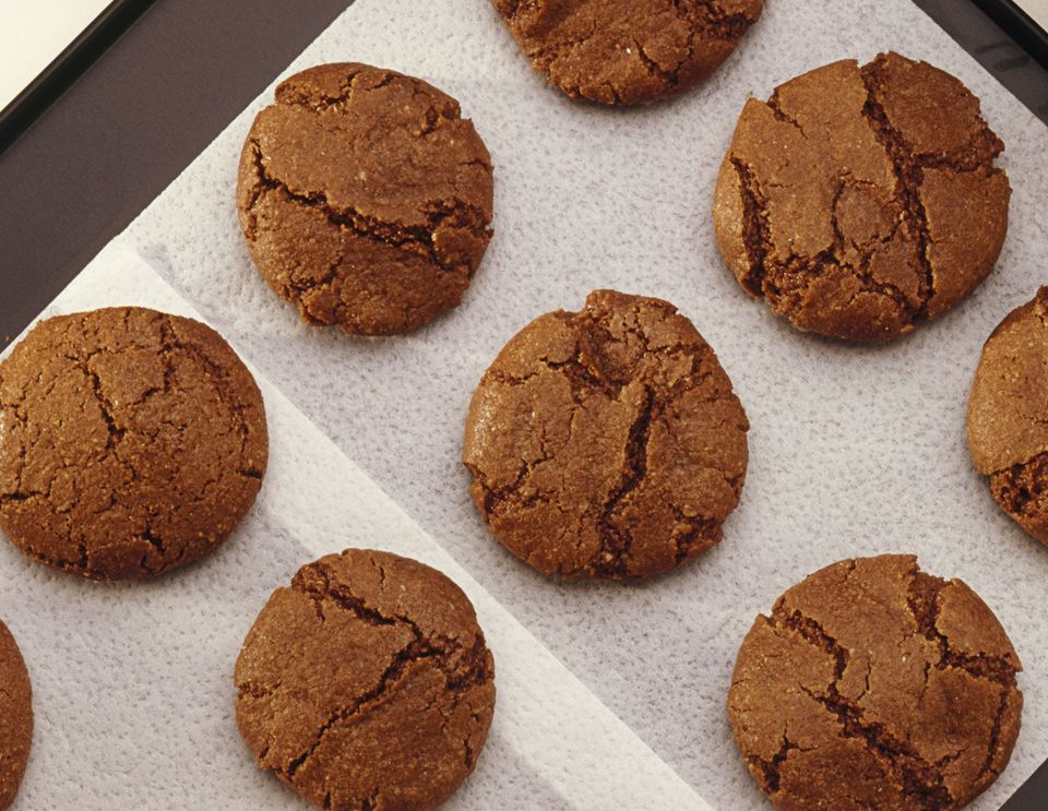 Vegan chocolate spice cookies