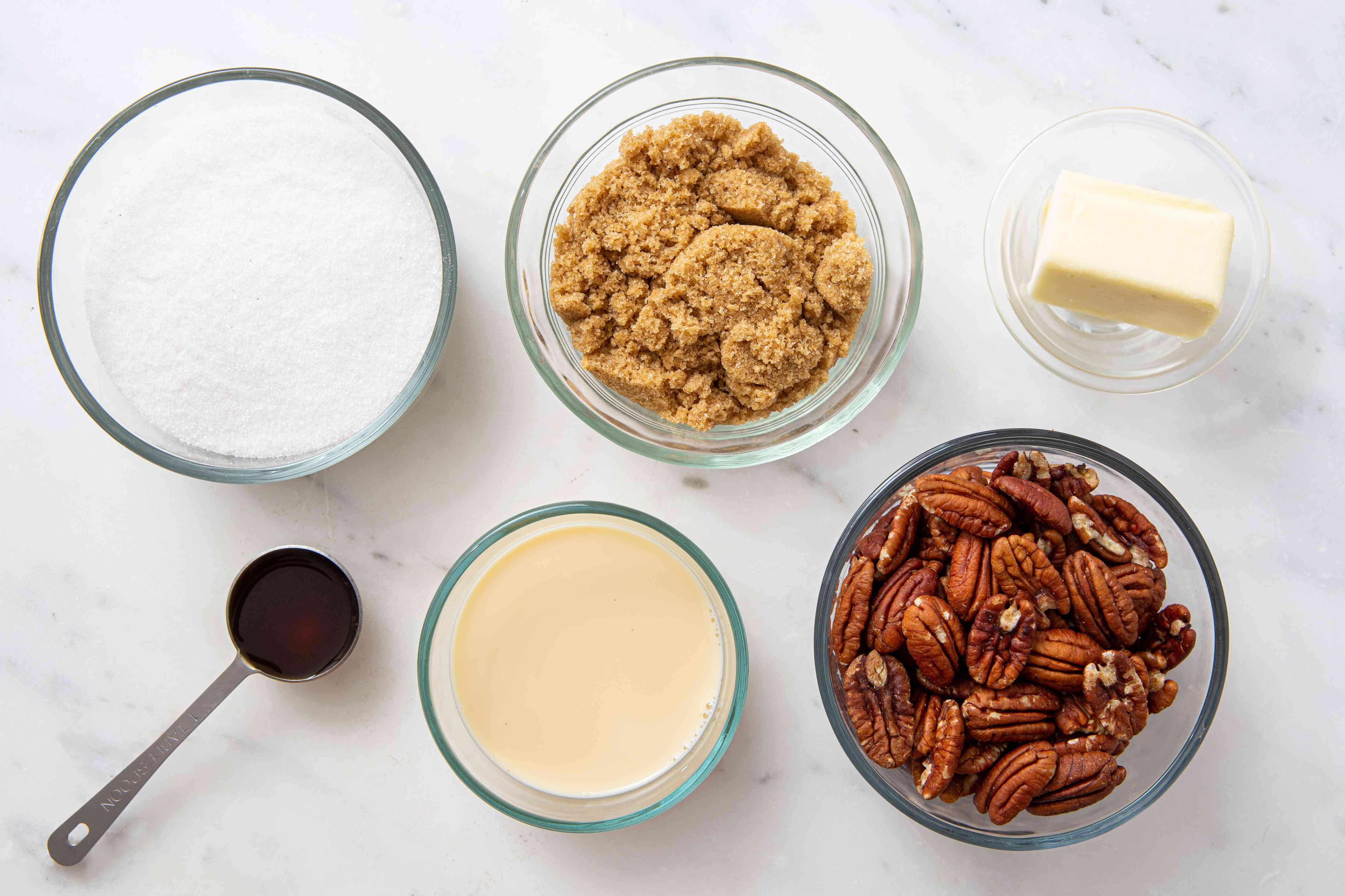 Easy creamy pecan pralines ingredients