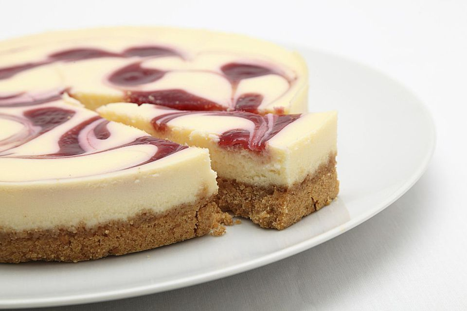 Raspberry Swirl Cheesecake