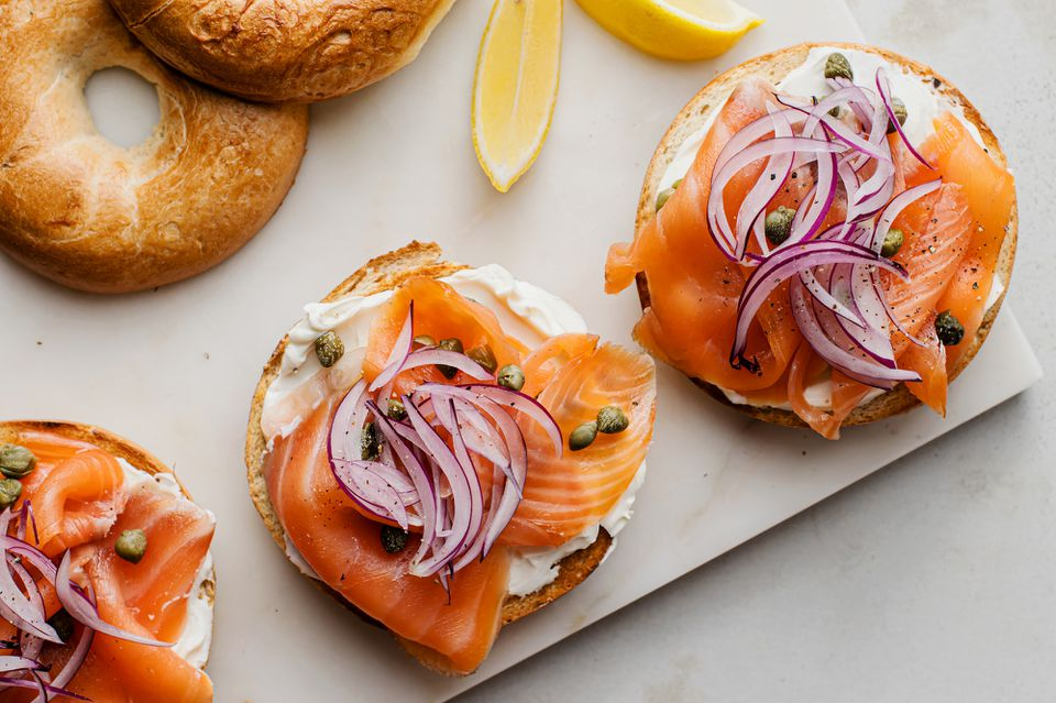 Open-faced smoked salmon bagel recipe