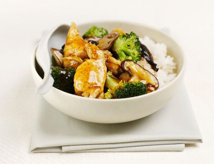 Chinese chicken with oyster sauce in a bowl