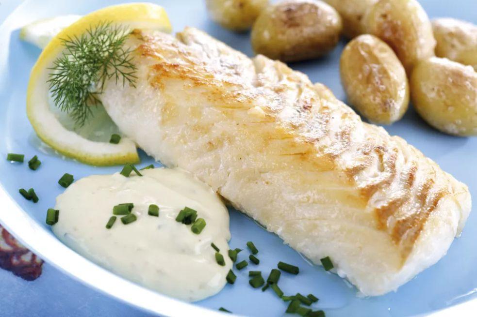 Greek Baked Bonito With Herbs and Potatoes (Palamitha sto Fourno)
