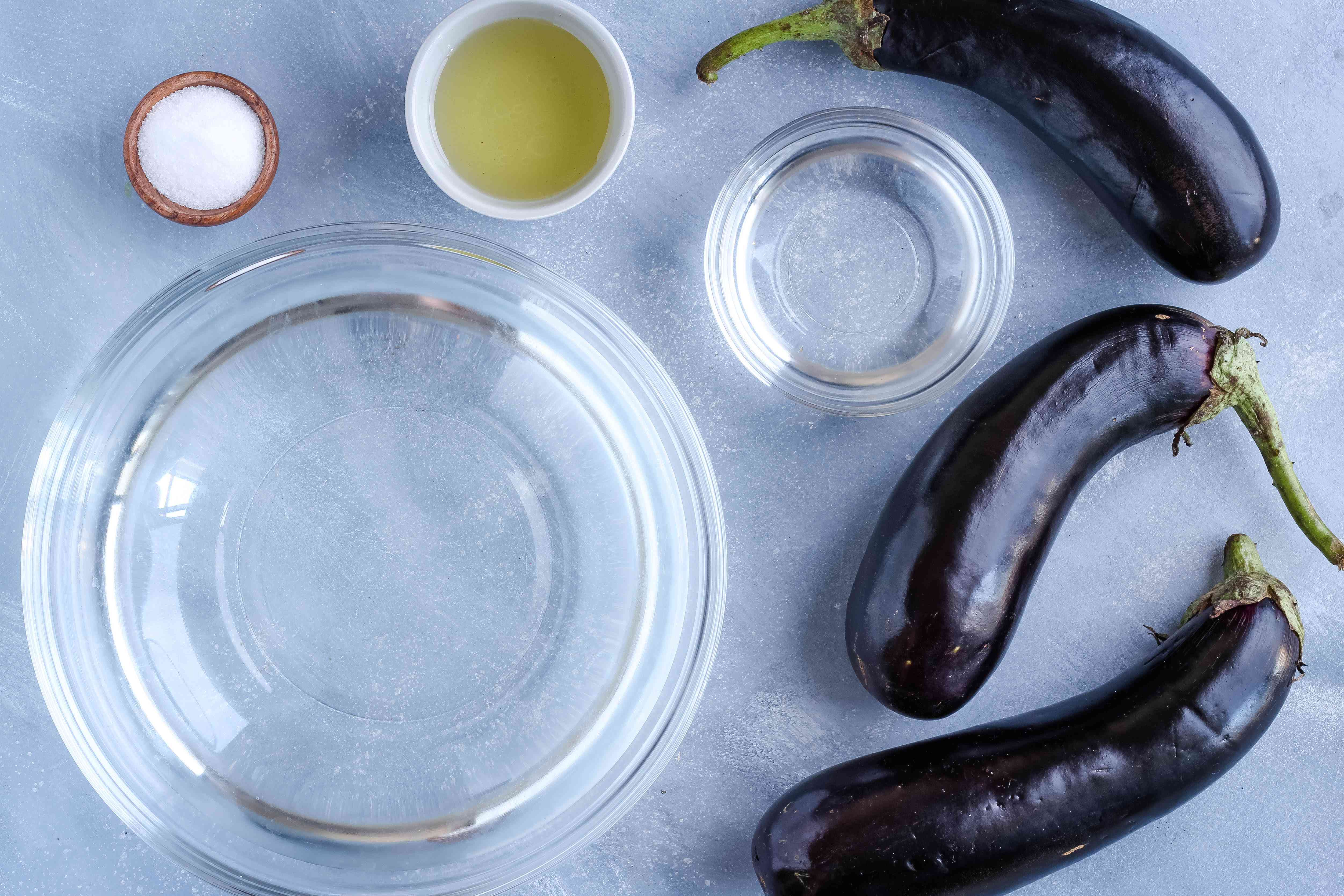 Ingredients for making grilled eggplant
