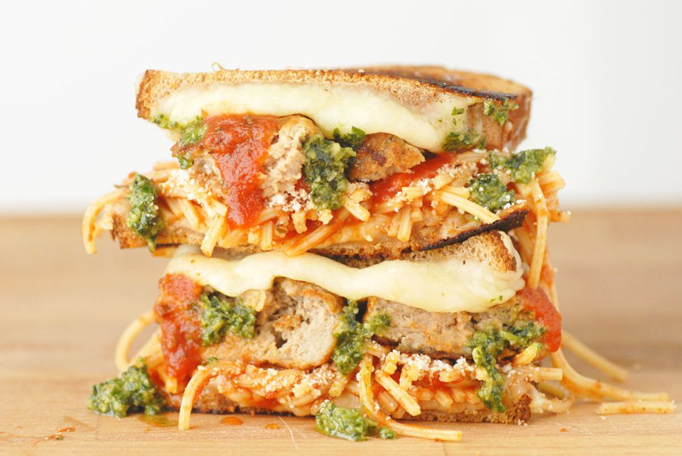 farmrich-grilled-cheese-social-2-horizontal.jpg