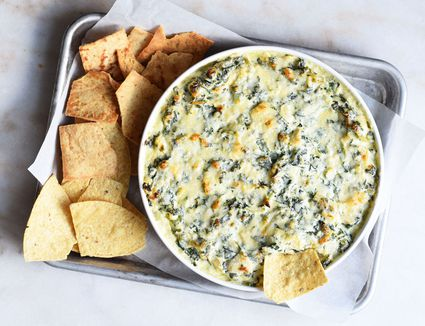 spinach and artichoke dip with chips