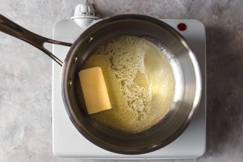 putter in a saucepan