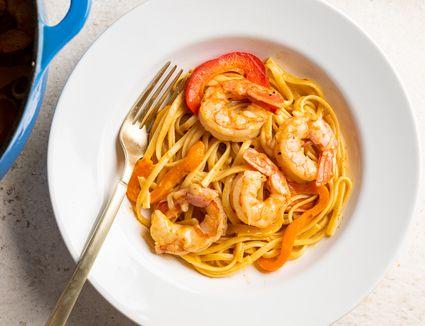 One-Pot Pasta: Shrimp Fajita Linguine