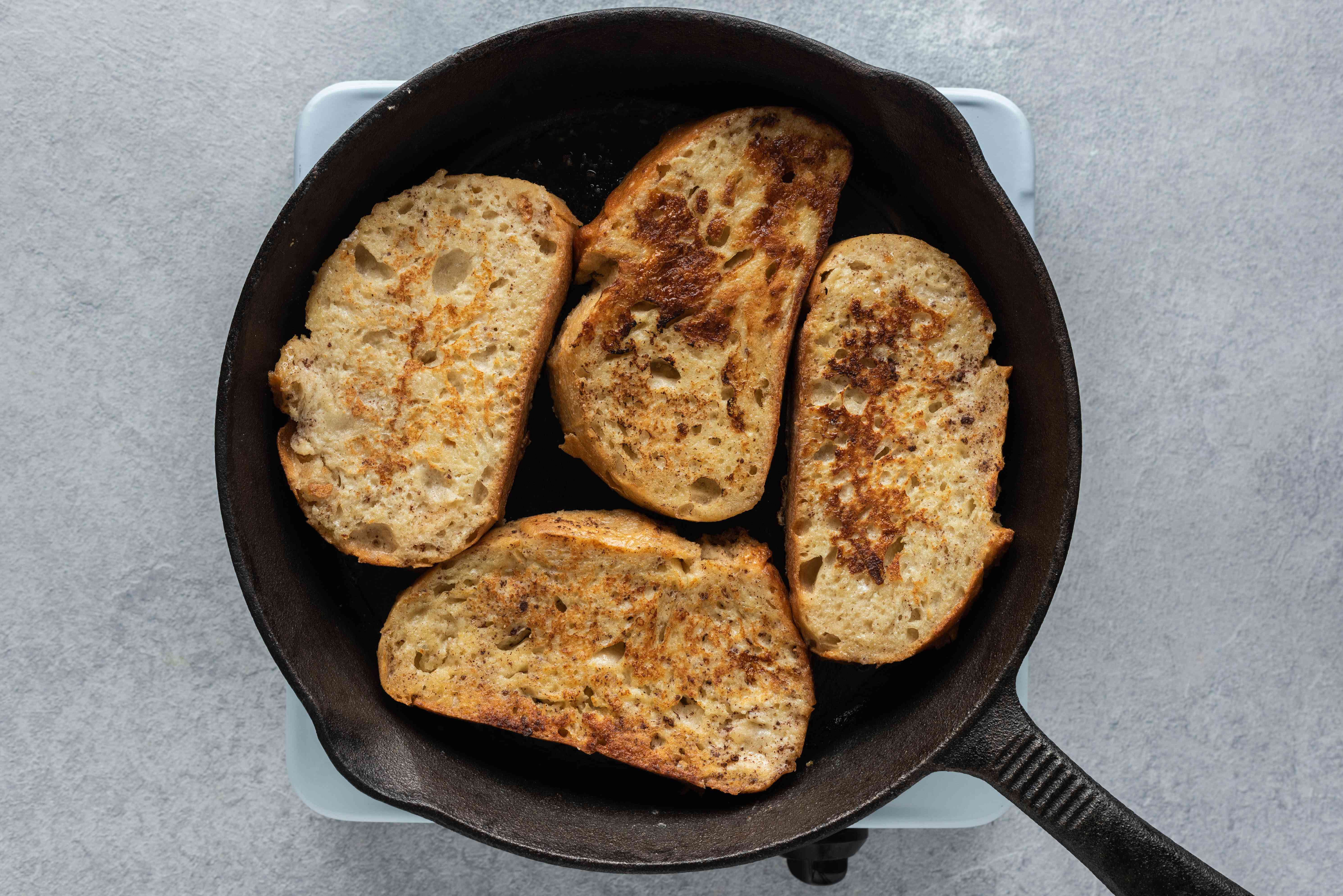 cook french toast in skillet