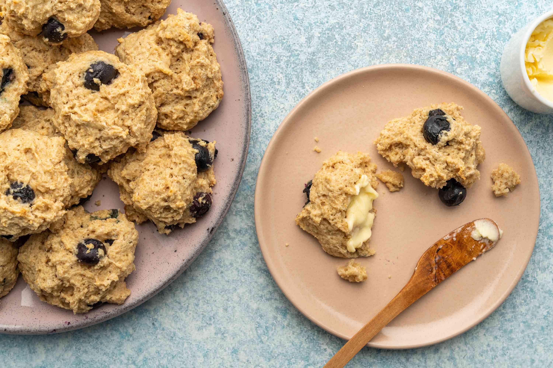Low-Fat, Low-Calorie Blueberry Scones