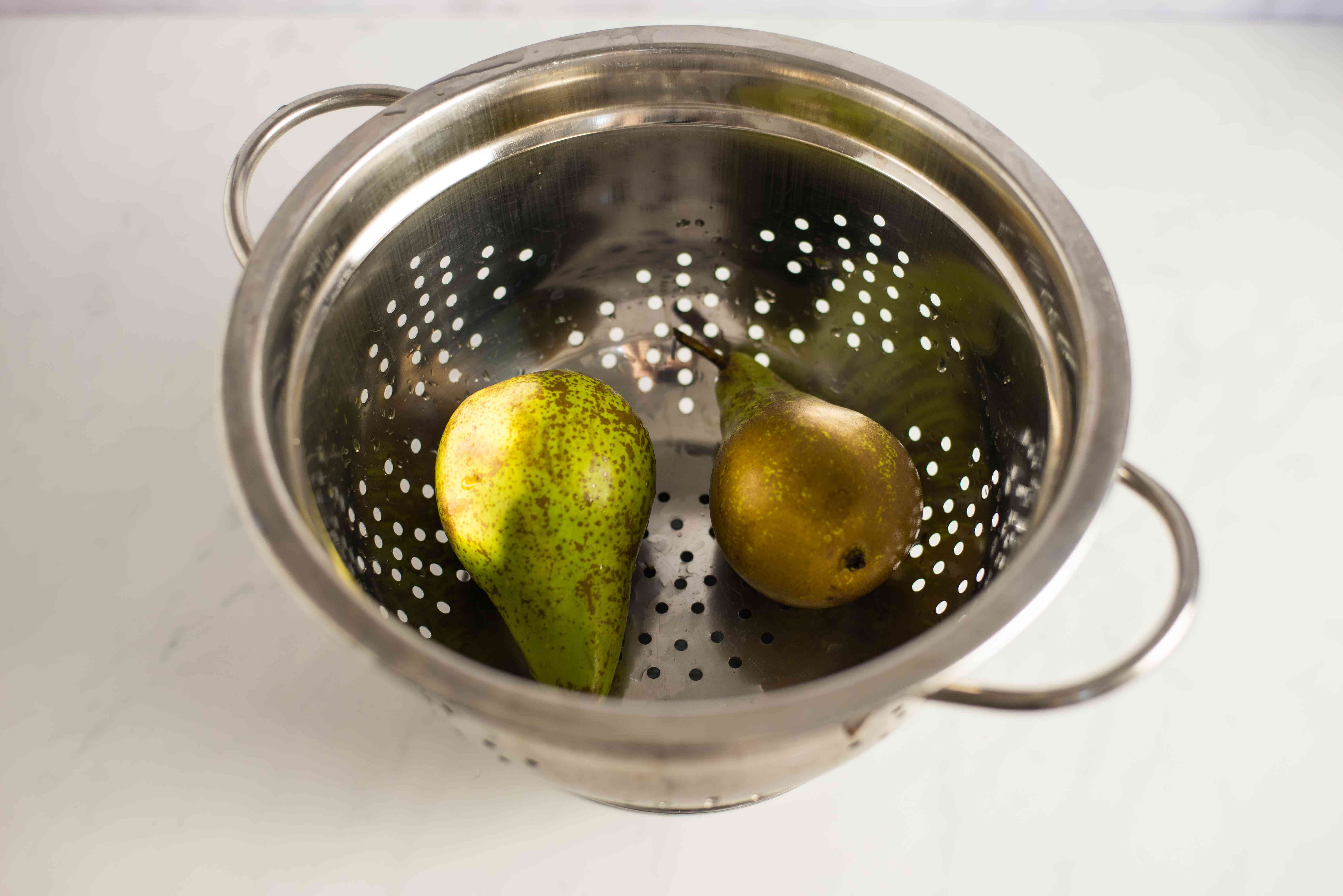 Rinse pears