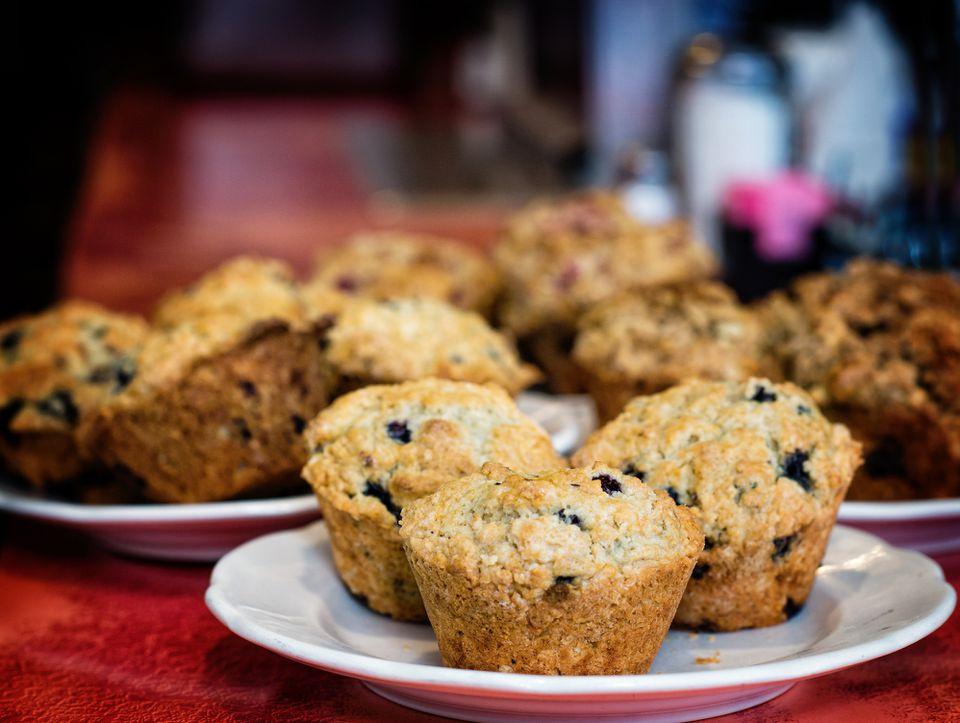 Muffins de arándanos básicos caseros fáciles
