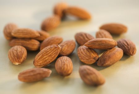 What Are Bitter or Lethal Almonds?
